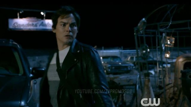 Color T-Shirt worn by Alex Manes (Tyler Blackburn) as seen in Roswell, New Mexico (Season 2 Episode 10)