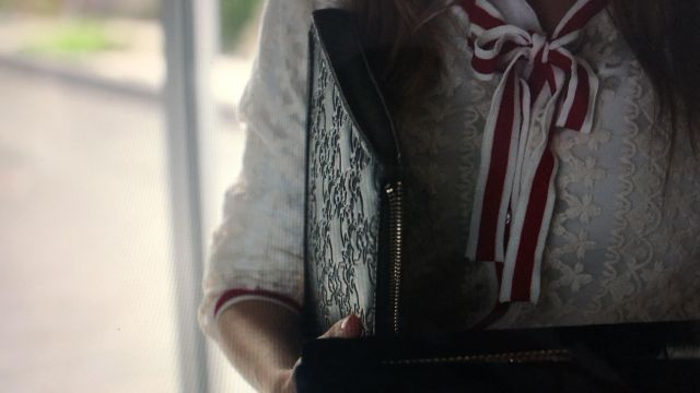 iPad / Tablet Case/Bag  worn by Carla Rohson  Ester Expósito in Elite
