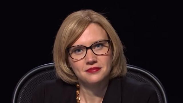 Glasses worn by Kate McKinnon in Saturday Night Live in the VP Fly Debate Cold Open