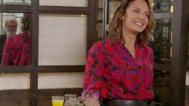 Chemise à fleurs de Julia Vignali dans Mon admirateur secret