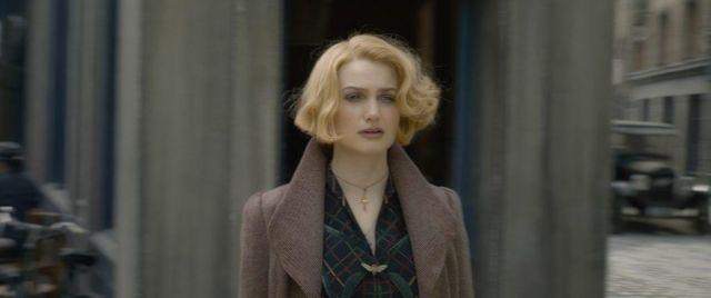 Coat  of Queenie Goldstein Alison Sudol in Fantastic Beasts: The Crimes of Grindelwald