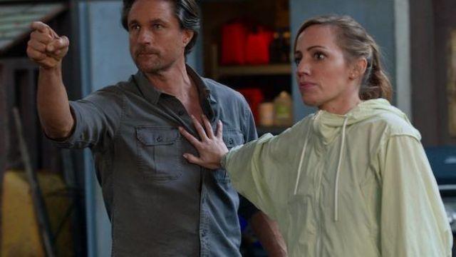 Washed blue worker shirt/jacket of Jack Sheridan (Martin Henderson) in Virgin River (S03E07)