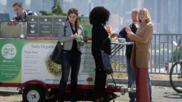 The Black Leather Bucket Bag of Dr. Amelia Shepherd (Caterina Scorsone) in Grey's Anatomy (S15E03)